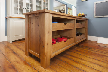 Depending On Your Storage Needs, A Kitchen Island Can Incorporate Deep  Drawers For Pots And Pans, Pull Outs For Spices, Baking Sheets Or Cutting  Boards, ...